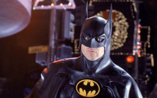 Michael Keaton describe como es vestirse de Batman después de 30 años